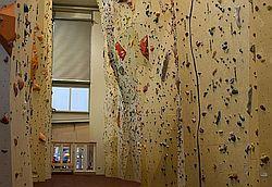 Instruktor lezení na umělé stěně 3aead13b003